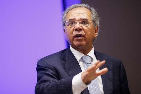 Ministro da Economia, Paulo Guedes, fala em entrevista coletiva em Brasília 16/03/2020 REUTERS/Adriano Machado