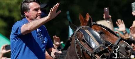 Militares dão tranquilidade para dirigir País, diz Bolsonaro