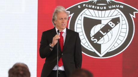 Jorge Jesus durante sua apresentação no Benfica (Foto: Divulgação/Benfica)
