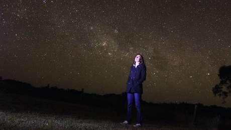 Esse panorama das estrelas é algo que Katie Mack não pôde ver durante seus anos de estudos em Los Angeles