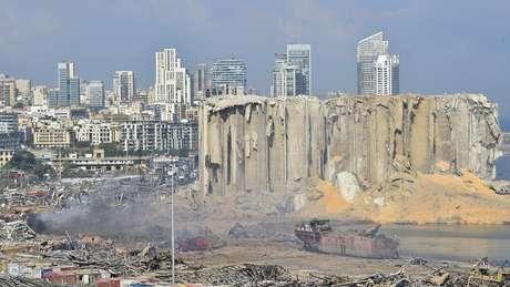 Explosão devastou área portuária de Beirute