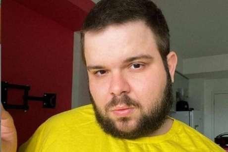 O influenciador e ativista Caio Revela sofreuataques gordofóbicos com notícias falsas de que ele teria morrido