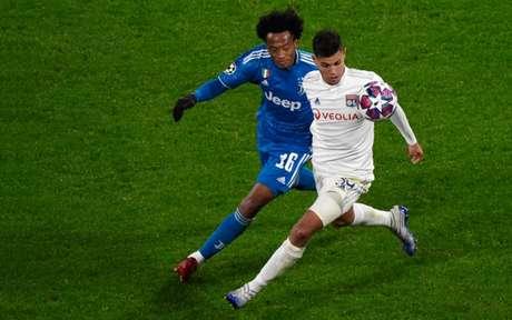 Juventus e Lyon se enfrentam, em Turim, pelo jogo de volta das oitavas de finais da Champions League 2019/20 (Foto: Jean-Philippe KSIAZEK / AFP)