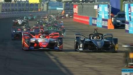 Nyck de Vries subiu para terceiro nas voltas iniciais