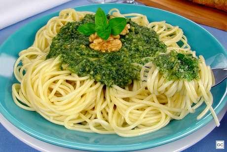 Guia da Cozinha - 9 receitas de macarrão que ficam prontas em até 30 minutos