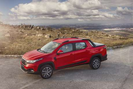 Fiat Strada Volcano: versão topo de linha é a que mais lembra a picape-irmã Toro.