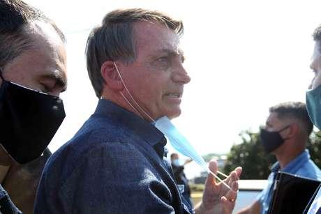 """Bolsonaro aponta isolamento como causa de """"outras mortes"""""""
