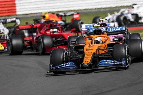 McLaren, Ferrari e Racing Point andaram próximas em Silverstone