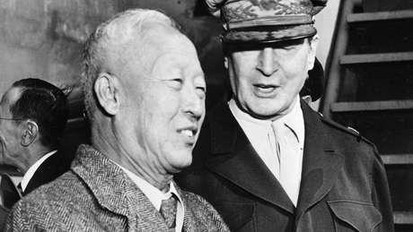 Presidente sul-coreano Syngman Rhee libertou unilateralmente soldados norte-coreanos