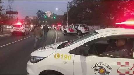 Três policiais militares foram mortos durante abordagem nesta madrugada, por um homem que se identificava como policial civil.