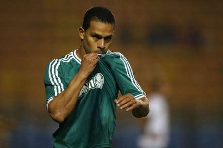 Jogador enalteceu técnico Vanderlei Luxemburgo, do Palmeiras (Foto: Tom Dib/Lancepress!)