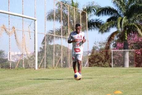 Lucas Silva espera uma boa campanha do Vila Nova na Série C (Foto:Douglas Monteiro / VNFC)