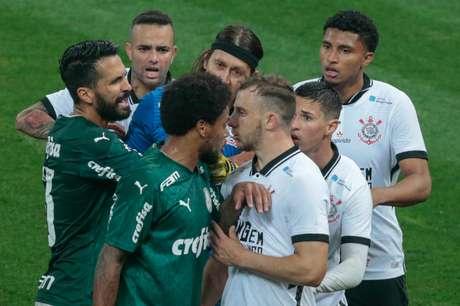 Corinthians e Palmeiras: expectativa pelo tira-teima histórico