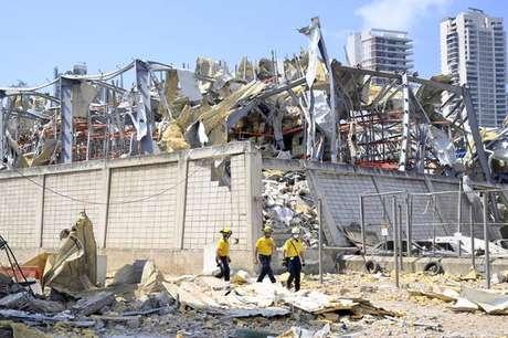 Busca por desaparecidos na área portuária de Beirute