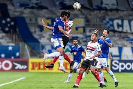 A Raposa não apresentou um bom futebol na sua estreia no Brasileiro da Série B-(Bruno Haddad/Cruzeiro(