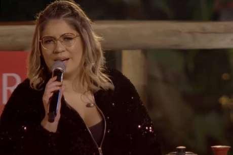 A cantora Marília Mendonça foi acusada de transfobia