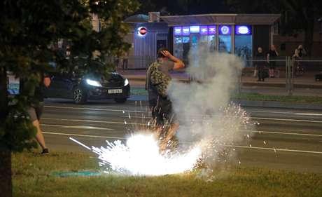 Manifestantes de oposição protestam em Minsk após resultado de eleição 10/08/2020  REUTERS/Vasily Fedosenko