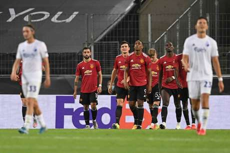 United enfrentará o vencedor de Wolverhampton e Sevilla, que jogam nesta terça (Foto: SASCHA STEINBACH / AFP)