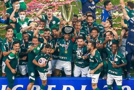 Campeão, Palmeiras emplaca três jogadores na seleção do Paulista, mais técnico, revelação e Craque da Galera