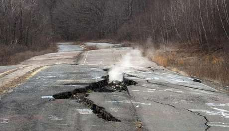 Há décadas um incêndio de carvão está queimando no subsolo em Centralia, Pensilvânia