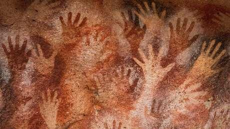 A Caverna das Mãos, no sul da Argentina, contém arte rupestre de cerca de 13 mil anos atrás