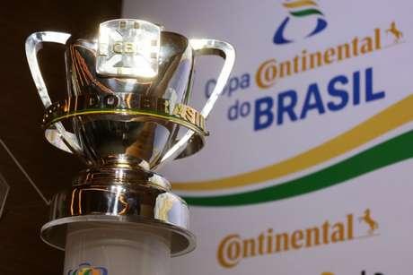 O desejado troféu da Copa do Brasil (Foto: Lucas Figueiredo/CBF)