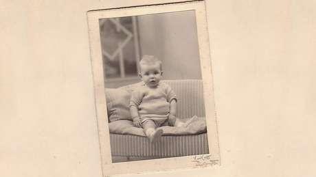 Tony May como bebê