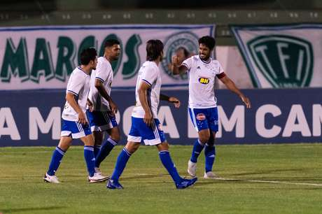 Em jogo de cinco gols, Cruzeiro vence o Guarani e conquista segunda vitória na Série B