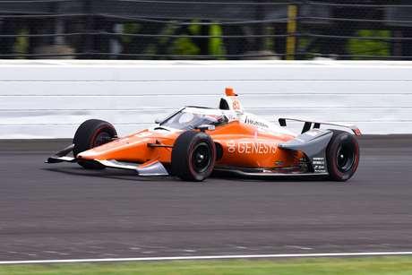 James Hinchcliffe foi o mais rápido no primeiro dia de treinos para a Indy 500
