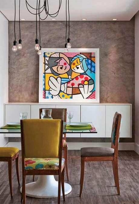 51- As nuances da parede com marmorato combinam com o piso da sala. Fonte: Pinterest