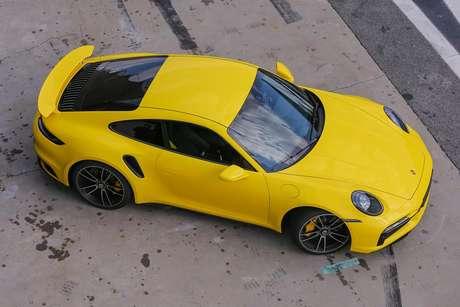 Porsche 911: novo rei dos carros esportivos no mercado brasileiro.