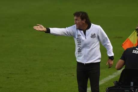 Contra o Inter, Cuca dirigirá o Santos pela segunda vez em sua terceira passagem no clube (Foto: Ivan Storti/Santos)