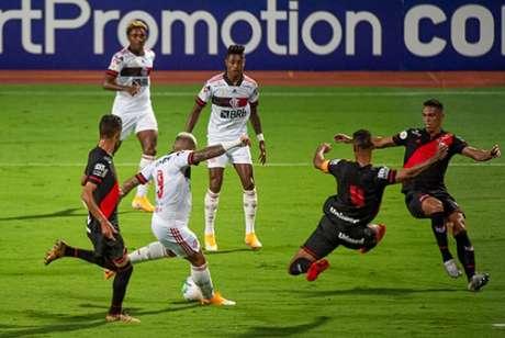 Gabigol teve chances contra o Atlético-GO(Foto: Alexandre Vidal / Flamengo)