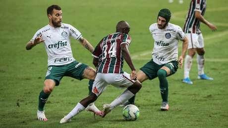 Luiz Henrique entrou no segundo tempo do empate do Fluminense (Foto: Lucas Merçon/Fluminense FC)