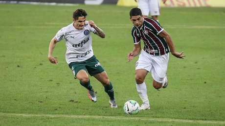 Michel Araújo durante o empate do Fluminense com o Palmeiras (Foto: Lucas Merçon/Fluminense FC)
