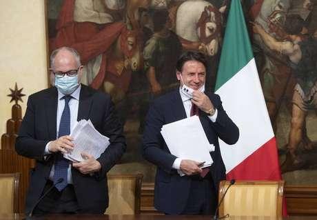 Roberto Gualtieri e Giuseppe Conte são alvos de denúncias