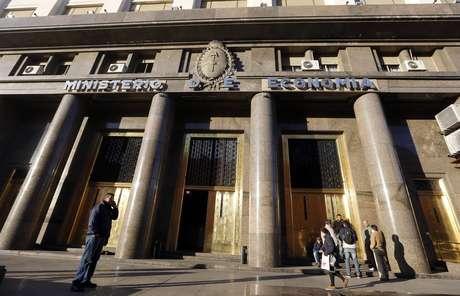 Fachada do Ministério da Economia da Argentina, em Buenos Aires  18/06/2014 REUTERS/Enrique Marcarian