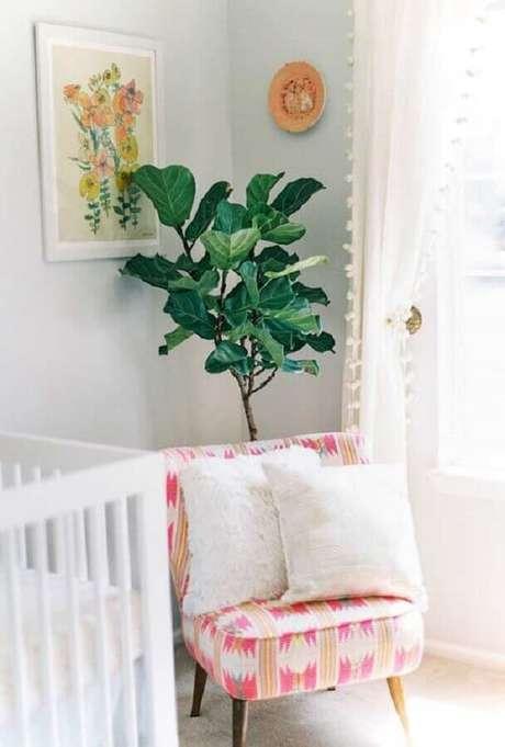 55. Poltrona decorativa estampada para decoração de quarto de bebê branco – Foto: 100 Layer Cakelet