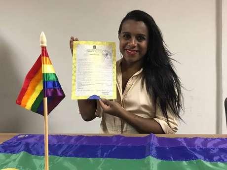Robeyoncé Lima, advogada e ativista da causa LGBT, é a primeira transexual que altera seu nome no cartório