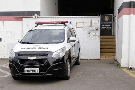 Chegada de policiais ao prédio da Polícia Federal de Campinas (SP)
