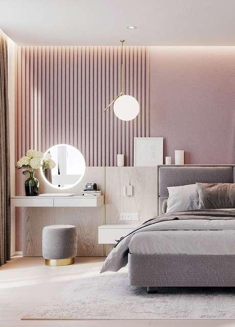 67. Quarto moderno e iluminado com penteadeira suspensa – Via: Style e Decor