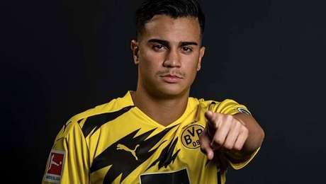 Emprestado pelo Real Madrid, Reinier assina por dois anos com o Borussia Dortmund