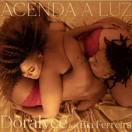 """Capa do single """"Acenda Luz"""", de Doralyce"""