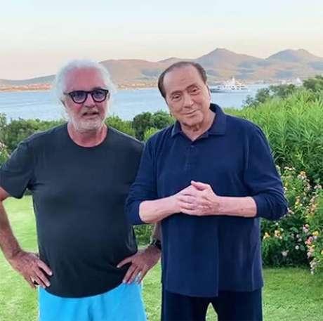 Flavio Briatore e Silvio Berlusconi na Sardenha, em agosto de 2020
