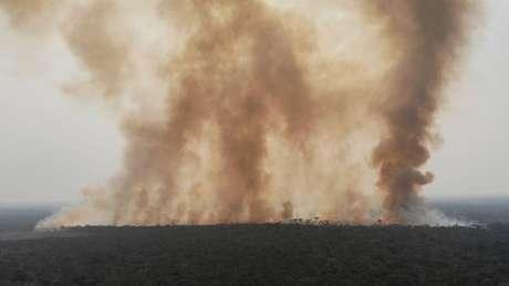 Incêndio no Amazonas; desmatamento na Amazônia já é 34% maior este ano, na comparação com o passado