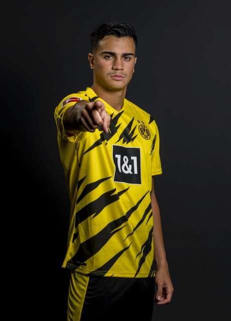 Reinier foi emprestado ao Borussia Dortmund e sonha em jogar a Champions League com a camisa aurinegra (Reprodução/ Twitter Reinier)