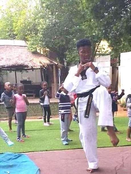 Abueng Sekgwelea se preocupa com a saúde de seus alunos