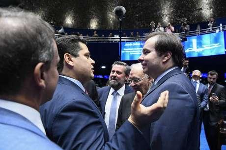Presidente do Senado, Davi Alcolumbre, e presidente da Câmara dos Deputados, Rodrigo Maia