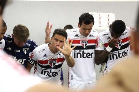 Hernanes é uma das lideranças do elenco do São Paulo (Foto: Rubens Chiri/saopaulofc.net)