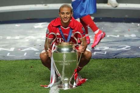 Thiago foi destaque do Bayern na final da Liga dos Campeões (Foto: MIGUEL A. LOPES / POOL / AFP)